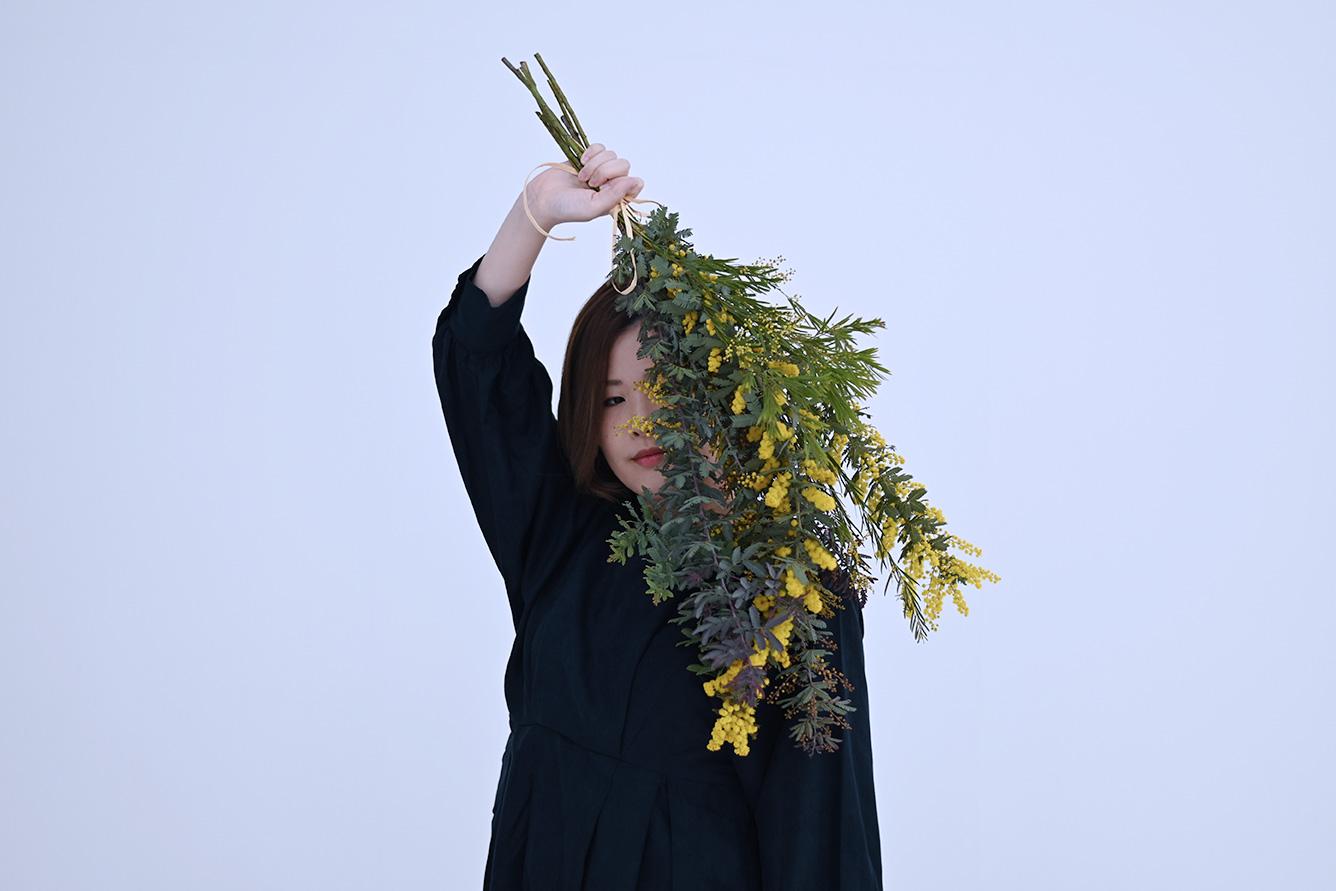 エッセイ/フォトモデル:国際女性デー記念 深海合唱団×ミモザのフォトエッセイ #5 私は透明